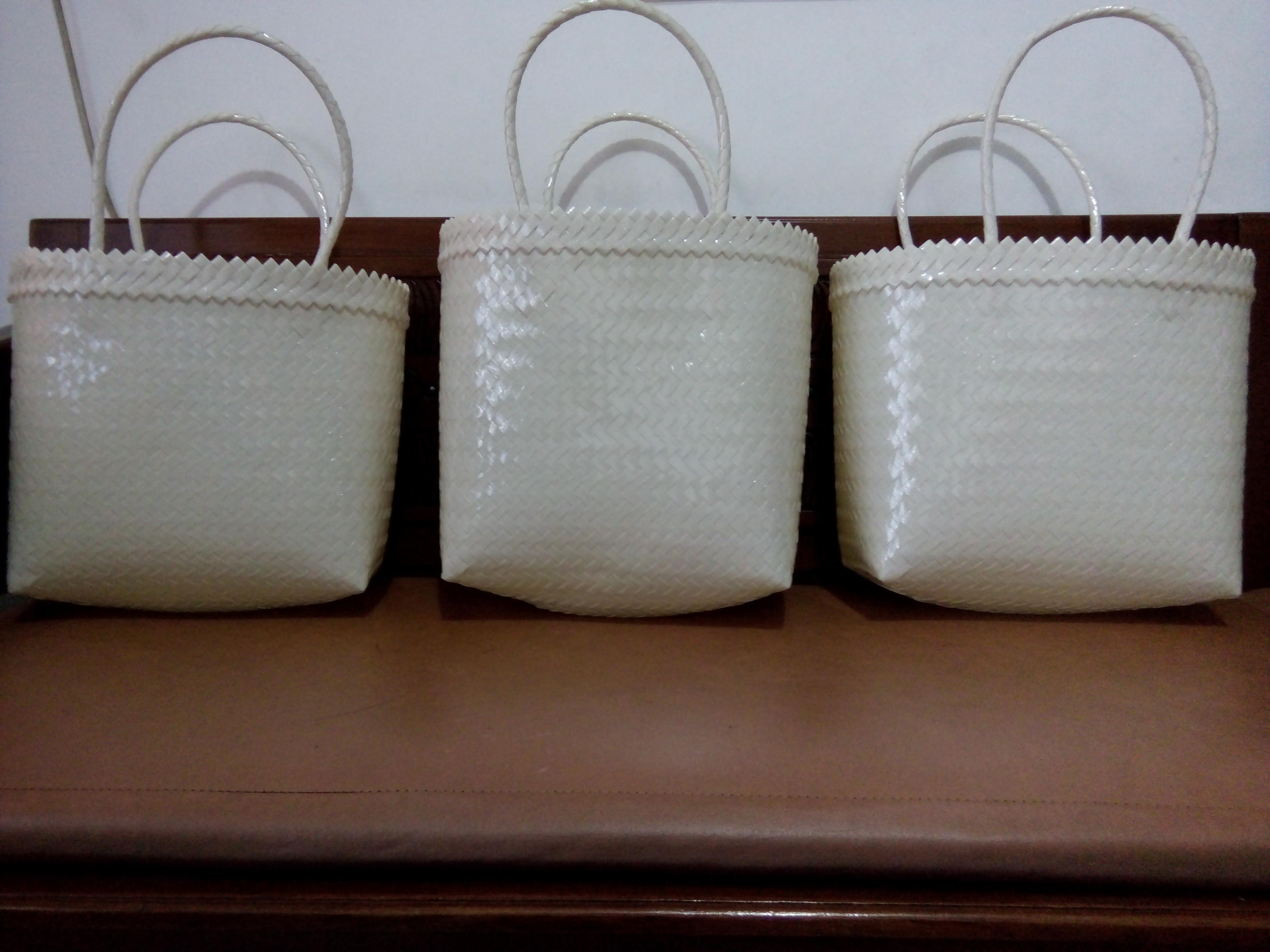 Warna Putih Tas Bening Kaca Polos