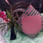 Keranjang Anyaman Warna Warni Pink