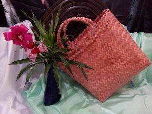 Tas Emak Emak Keranjang Belanja Pasar Anyaman Plastik Lurik Cantik