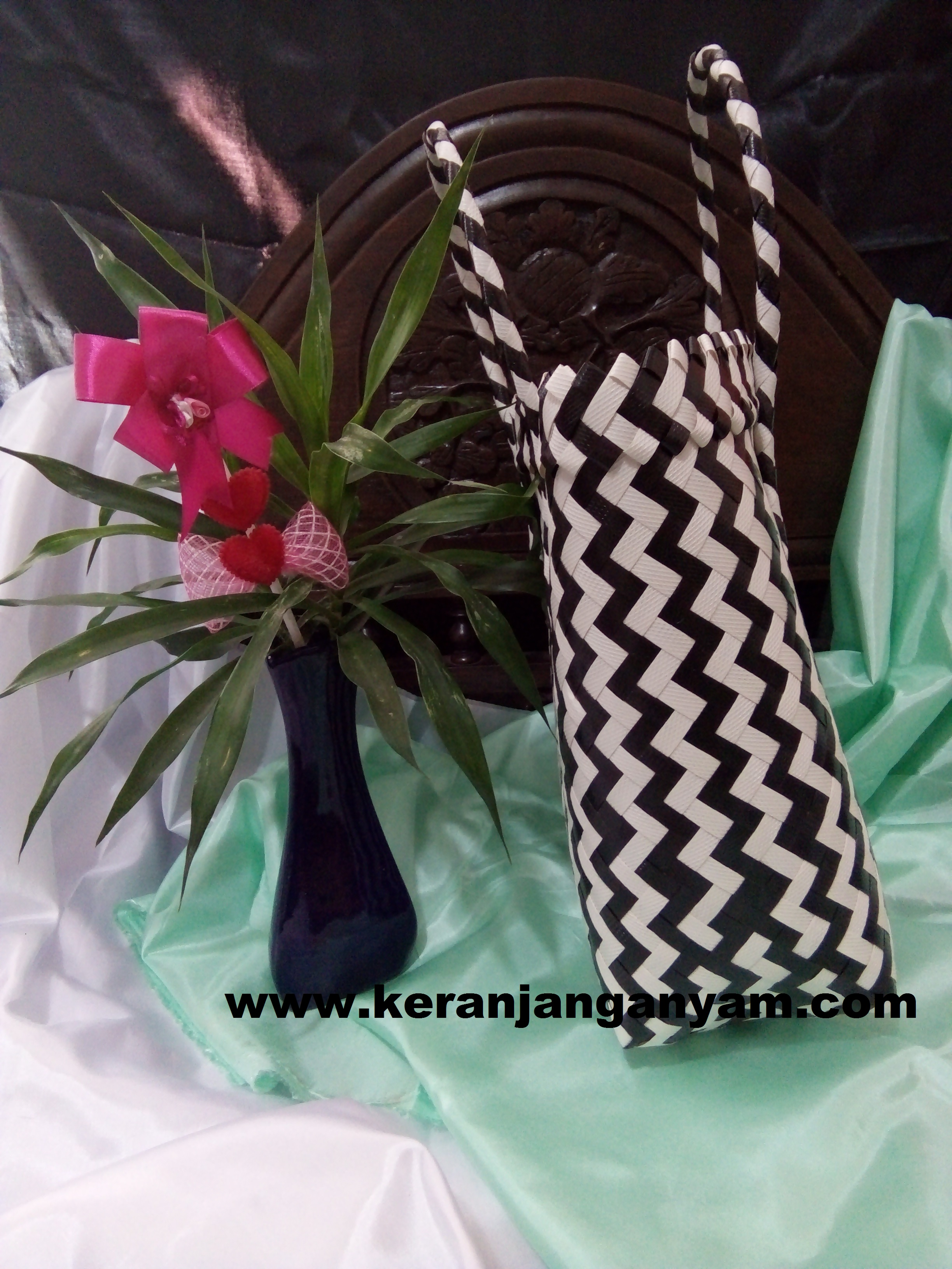 Tas Doff Motif Zebra Hitam Putih