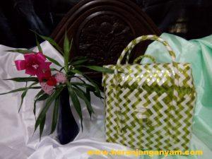 Tas Kosmetik Anyaman Plastik Bening Kaca Motif Zebra Pink Putih