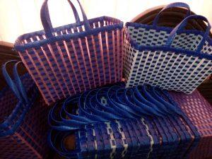 Tas Anyaman Plastik Kotak Kombinasi Bening Murah Namun Tetap Kuat