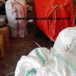 Cargo pengiriman tas anyaman antar kota, propinsi, dan pulau
